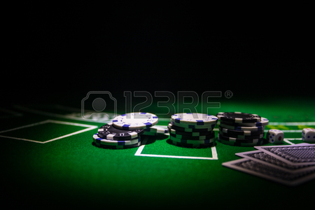 Traveling to play Gambling poker