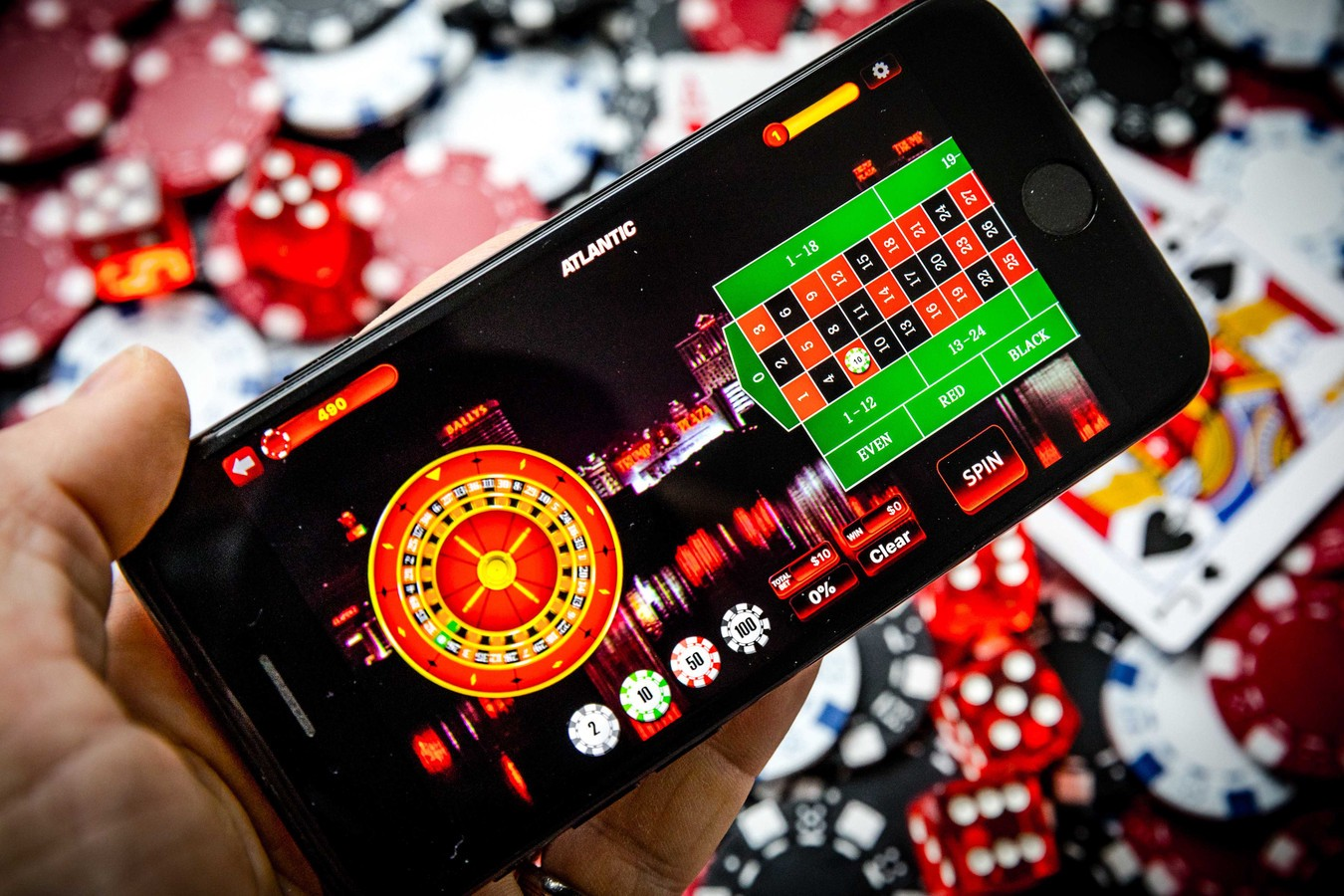 Play Poker Online - Find The Best Form Of Entertainment! Gambling